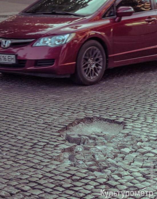 DSC01688-551x700 Французский бульвар в Одессе: беспощадное разрушение