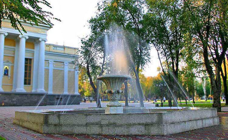 На этом месте сейчас расположен фонтан, известный как Филатовский.