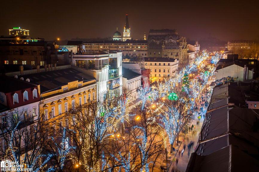 1FEUxGViHY8 Новогодние огни Одессы сфотографировали с крыши