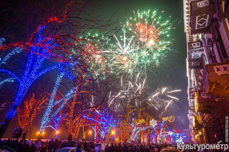 DSC00533 Появились фото одесского новогоднего салюта