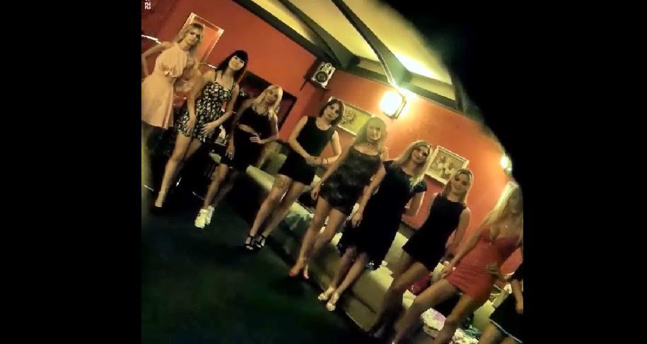 Работала проституткой за границей видео супер